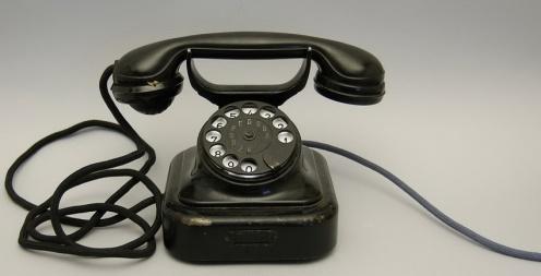 aparat telefoniczny 2 (1)