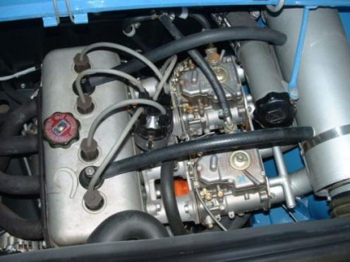 R8 Gordini silnik